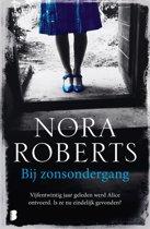 Boek cover Bij zonsondergang van Nora Roberts (Onbekend)