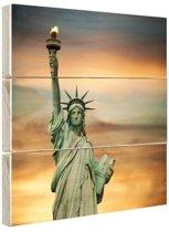 FotoCadeau.nl - Vrijheidsbeeld zonsondergang Hout 20x20 cm - Foto print op Hout (Wanddecoratie)