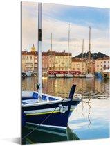 Zicht op de haven van Saint Tropez in Frankrijk Aluminium 120x180 cm - Foto print op Aluminium (metaal wanddecoratie) XXL / Groot formaat!