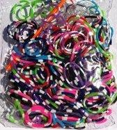 600 loom elastiekjes gestreept met weefhaken en S-clips voor eindeloos speelplezier met deze loombandjes