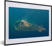 Foto in lijst - Luchtfoto van Yakushima in Japan fotolijst zwart met witte passe-partout klein 40x30 cm - Poster in lijst (Wanddecoratie woonkamer / slaapkamer)