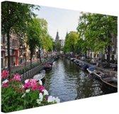 Zomerse gracht in Amsterdam Canvas 60x40 cm - Foto print op Canvas schilderij (Wanddecoratie woonkamer / slaapkamer) / Steden Canvas Schilderijen