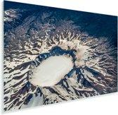 Bovenaanzicht van een vulkaan in Nationaal park Puyehue in Chili Plexiglas 90x60 cm - Foto print op Glas (Plexiglas wanddecoratie)