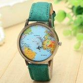 Horloge met wereldkaart en vliegtuig groen