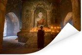 Monnik binnen pagode in Bagan Myanmar Poster 120x80 cm - Foto print op Poster (wanddecoratie woonkamer / slaapkamer) / Aziatische steden Poster