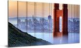 Golden Gate Bridge en San Francisco op de achtergrond Aluminium 160x80 cm - Foto print op Aluminium (metaal wanddecoratie)