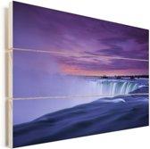 Paarse lucht bij de Niagarawatervallen in Amerika Vurenhout met planken 120x80 cm - Foto print op Hout (Wanddecoratie)