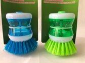 2 Afwasborstels met zeepdispenser.