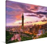 De Taiwanese wolkenkrabber met een kleurrijke hemel Canvas 180x120 cm - Foto print op Canvas schilderij (Wanddecoratie woonkamer / slaapkamer) XXL / Groot formaat!