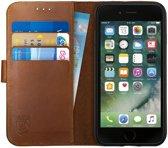 Rosso Deluxe Apple iPhone 7 / iPhone 8 Hoesje Echt Leer Pasjes Book Case Bruin | Ruimte voor drie pasjes | Opbergvakje voor briefgeld | Handige stand functie | Magneetsluiting
