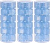 54x Plastic herbruikbare blauwe ijsklontjes/ijsblokjes gekleurd - Kunststof ijsblokjes blauw - Verkoeling artikelen - Gekoelde drankjes maken