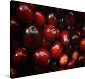 Cranberry's in een donkere omgeving Canvas 30x20 cm - klein - Foto print op Canvas schilderij (Wanddecoratie woonkamer / slaapkamer)