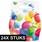 Feestzakjes met ballonnenopdruk plastic - 24x stuks - uitdeelzakjes