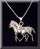 Grote zilveren hanger van 2 paarden