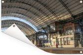 Het station van de Nederlandse stad Haarlem Tuinposter 120x80 cm - Tuindoek / Buitencanvas / Schilderijen voor buiten (tuin decoratie)