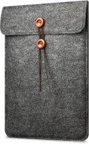 Laptop Vilten Soft Sleeve | Geschikt voor Macbook Pro & Air 13 inch (13,3'') | Laptop case | Macbook bescherming hoes | Cadeau voor man & vrouw | Donkergrijs
