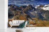 Fotobehang vinyl - De weg naar de hoogste berg in Oostenrijk breedte 540 cm x hoogte 360 cm - Foto print op behang (in 7 formaten beschikbaar)