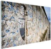 FotoCadeau.nl - Berlijnse muur met gat Glas 180x120 cm - Foto print op Glas (Plexiglas wanddecoratie)
