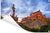 Zonsondergang bij het kasteel van Edinburgh in Schotland Tuinposter 120x80 cm - Tuindoek / Buitencanvas / Schilderijen voor buiten (tuin decoratie)