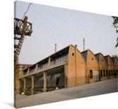 Fabriek gebouwen in de Aziatische Kunstzone 798 in Beijing Canvas 120x80 cm - Foto print op Canvas schilderij (Wanddecoratie woonkamer / slaapkamer)