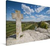 Christelijk kruis boven het Moldaafse tempelcomplex van Orheiul Vechi in Moldavië Canvas 120x80 cm - Foto print op Canvas schilderij (Wanddecoratie woonkamer / slaapkamer)