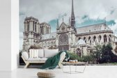 Fotobehang vinyl - Uitzicht op de kathedraal Notre-Dame in Parijs breedte 540 cm x hoogte 360 cm - Foto print op behang (in 7 formaten beschikbaar)