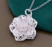 Zilverkleurige bloem ketting