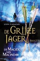 De Grijze Jager - boek 5:  De Magiër van Macindaw