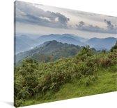 Donkere wolken boven het regenwoud van het Nationaal Park Bwindi Impenetrable Canvas 90x60 cm - Foto print op Canvas schilderij (Wanddecoratie woonkamer / slaapkamer)