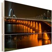 Verlichting van de Waalbrug in de Nederlandse stad Nijmegen Vurenhout met planken 90x60 cm - Foto print op Hout (Wanddecoratie)