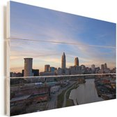 Cleveland in de Verenigde Staten bij zonsopkomst Vurenhout met planken 120x80 cm - Foto print op Hout (Wanddecoratie)