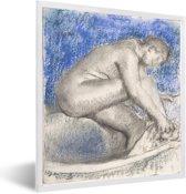 Foto in lijst - The bath - Schilderij van Edgar Degas fotolijst wit 40x50 cm - Poster in lijst (Wanddecoratie woonkamer / slaapkamer)