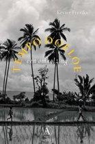 Boekomslag van 'Tempo Doeloe, een omhelzing'