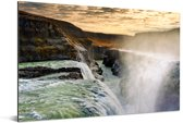 Zonsondergang bij de Gullfoss waterval in IJsland Aluminium 90x60 cm - Foto print op Aluminium (metaal wanddecoratie)