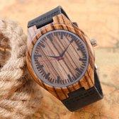 Houten horloge met zwarte leren band