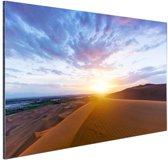 FotoCadeau.nl - Woestijn tijdens zonsopkomst Aluminium 90x60 cm - Foto print op Aluminium (metaal wanddecoratie)