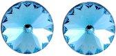 Blauwe oorsteker 6mm met Swarvoski Elements