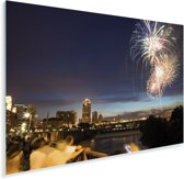 Vuurwerk bij het centrum van de Noord-Amerikaanse stad Minneapolis Plexiglas 60x40 cm - Foto print op Glas (Plexiglas wanddecoratie)