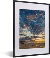 Foto in lijst - Zonsondergang bij de Kust van Ningaloo fotolijst zwart met witte passe-partout klein 30x40 cm - Poster in lijst (Wanddecoratie woonkamer / slaapkamer)