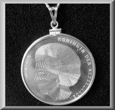 Fraaie zilveren munt van Beatrix en 3  Koninginnen
