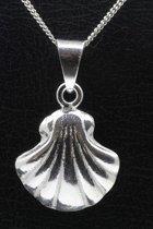 Zilveren Sint Jacobs schelp 2 ketting hanger