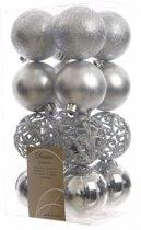 Kerstboom decoratie kerstballen mix zilver 16 stuks