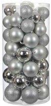 House of seasons set van 48 onbreekbare zilverkleurige kerstballen diameter 8cm inclusief ophangtouwtjes