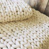 Bedloper XXL van 100% Merino wol, grof gebreid 65x200 cm