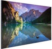 Meer tussen de bergen Aluminium 60x40 cm - Foto print op Aluminium (metaal wanddecoratie)