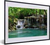 Foto in lijst - Meerdere kleine watervallen in het Thaise nationaal park Erawan fotolijst zwart met witte passe-partout klein 40x30 cm - Poster in lijst (Wanddecoratie woonkamer / slaapkamer)