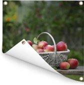 Mand met verse appels Tuinposter 100x100 cm - Tuindoek / Buitencanvas / Schilderijen voor buiten (tuin decoratie)