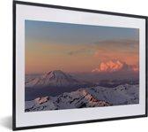 Foto in lijst - De zon verlicht het berglandschap van het Nationaal park Sierra Nevada in de VS fotolijst zwart met witte passe-partout klein 40x30 cm - Poster in lijst (Wanddecoratie woonkamer / slaapkamer)