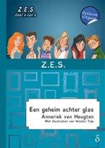 De Z.E.S. 4 - Een geheim achter glas