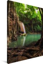 Donkere kleuren rond de waterval in Thaise nationaal park Erawan Canvas 80x120 cm - Foto print op Canvas schilderij (Wanddecoratie woonkamer / slaapkamer)